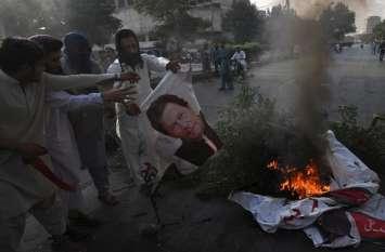 इमरान खान को झटका, सरकार की नीतियों के खिलाफ आम आदमी सड़कों पर उतरा