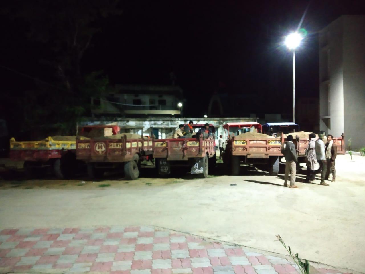 रात में हो रहा परिवहन, पुलिस ने दी दबिश, जानिए क्या है मामला