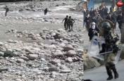 जो जवान कश्मीर में खा रहे हैं पत्थर,Videos में देखें वह कैसे बचा रहे लोगों की जान