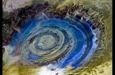 अफ्रीकी सहारा में आखिर कैसे बनी नीली आंख जैसी आकृति? वैज्ञानिकों ने बताए कारण