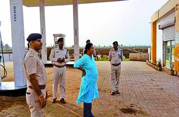 Theft news :  अपराधियों के हौसले बुलंद, पेट्रोल पंप से उड़ा ले गए दस लाख रुपए