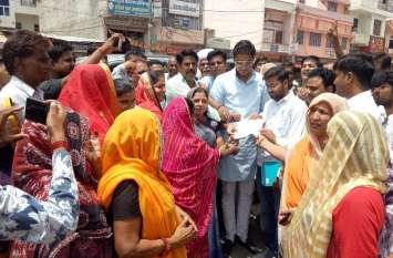 Jaipur Rural : पेयजल समस्या से त्रस्त बाशिन्दों व भाजपा कार्यकर्ताओं का फूटा गुस्सा