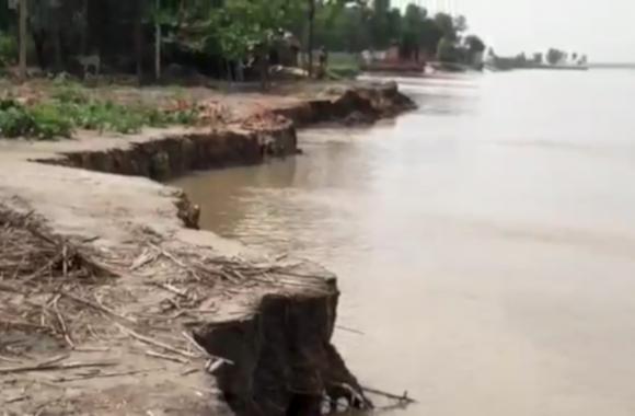 घाघरा नदी के बढ़ते जलस्तर ने बढ़ाई टेंशन, देखें वीडियो