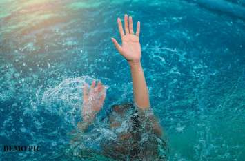 OMG! डूबते शख्स की घड़ी ने बचाई जान, जानें कैसे