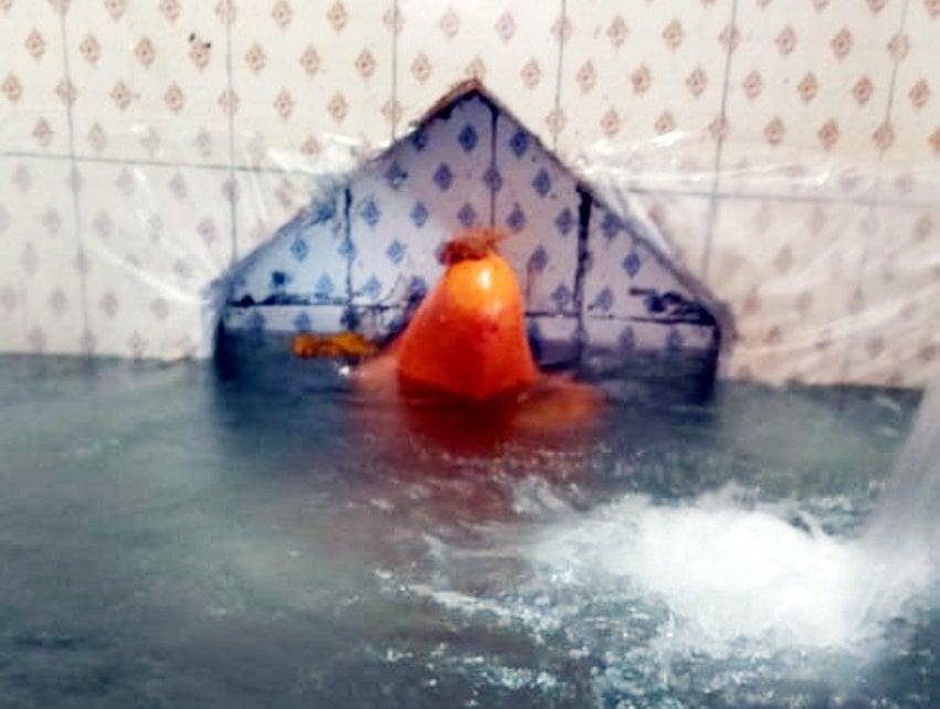 हनुमानजी की प्रतिमा को पानी में डुबाया, जाने क्यों