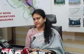 Noida Authority का CEO पद संभालते ही एक्शन में दिखीं IAS Ritu Maheshwari, देखें वीडियो