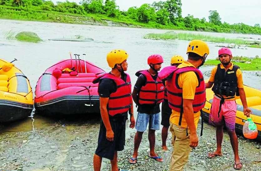 तीस्ता नदी हादसा:NDRFके हाथ खड़े करने के बाद नौसेना ने संभाला मोर्चा, लोकसभा अध्यक्ष बोले-कुछ भी करो हाड़ौती के बच्चों को ढूंढो