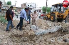 कपड़ा नगरी में 'रसूखदारों' का प्रदूषण : सीवरेज में रंगीन पानी उड़ेलने वालों की तलाश में चला सर्च ऑपरेशन