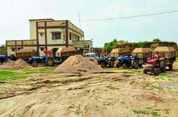 नहीं रुक रहा चंबल से रेत का अवैध परिवहन,प्रशासन नहीं करता वाहनों को राजसात