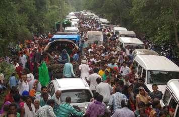 गुरुपूर्णिमा पर धारकुंडी आश्रम पहुंचे लाखों श्रद्धालु, मुंबई से लाइव हुए संत