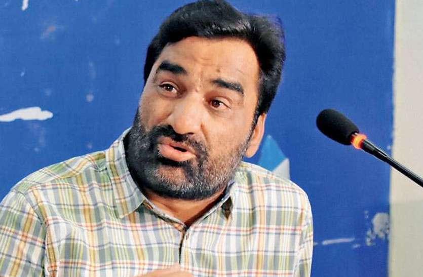 सांसद हनुमान बेनीवाल ने गहलोत सरकार पर लगाए गंभीर आरोप, बोले - कोरोना के उपचार में सरकार नाकाम