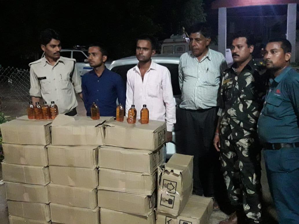 कार से 25 पेटी अवैध शराब जब्त, दो आरोपी गिरफ्तार
