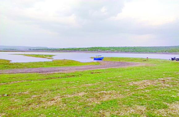 water crisis : डैम में केवल नौ प्रतिशत पानी बचा, बारिश नहीं हुई तो कैसे बुझेगी लोगों की प्यास