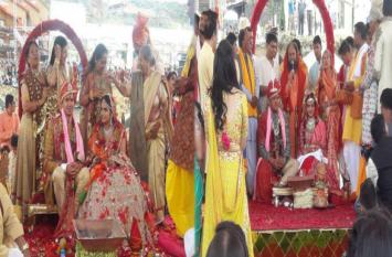 अभी भी सुर्खियां बटोर रही है गुप्ता बंधुओं के बेटों की शाही शादी,जानिए क्या है मामला