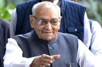 कर्नाटक के सियासी संकट पर कांग्रेस के अंतरिम राष्ट्रीय अध्यक्ष वोरा ने दिया बड़ा बयान, BJP पर लगाए गंभीर आरोप