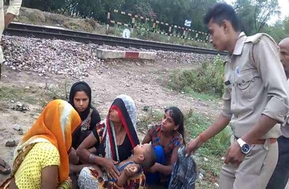 VIDEO रेलवे ट्रैक पर इस हालत में मिला मासूम, देखने वालों के उड़े होश