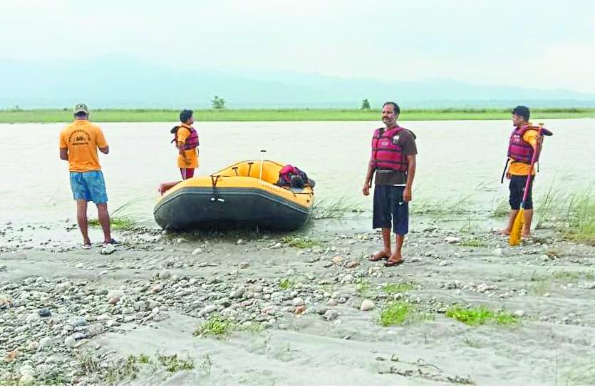 Teesta River Accident: भारतीय नौसेना ने संभाली रेस्क्यू की कमान, विशाखापट्टनम से मंगाए हाईटेक उपकरण