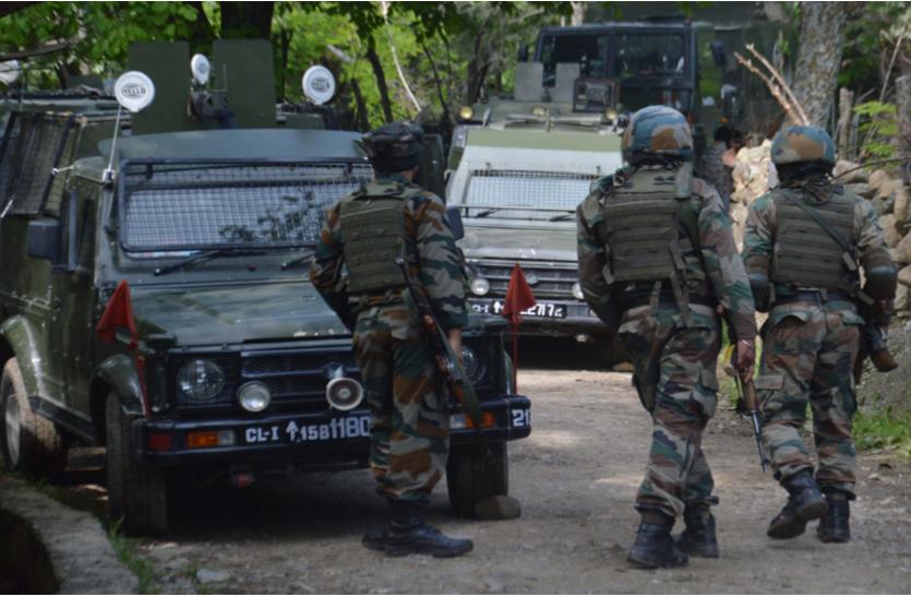 मस्जिद के बाहर PDP नेता के पीएसओ की हत्या, AK-47 लेकर भागे आतंकी