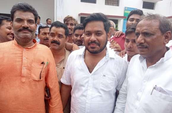 मार्टिनगंज उपचुनाव में ठाकुर मनोज सिंह की हार, गौरव सिंह मोनू 12 वोटों से जीते