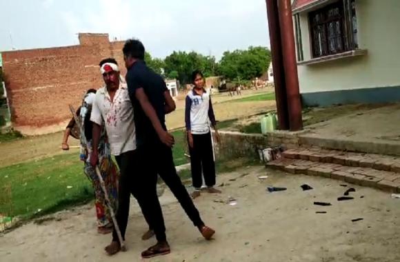 सोनभद्र के बाद यूपी के इस जिले में जमीन विवाद में जमकर मारपीट, युवक की मौत, LIVE VIDEO