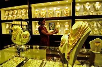 सोना 36 हजार होने को बेताब, चांदी 900 रुपए उछली