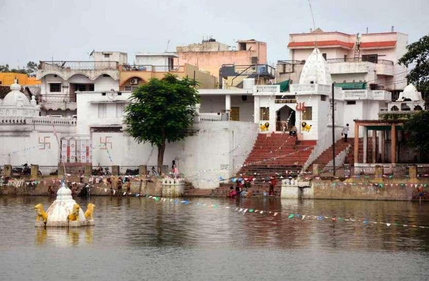 अद्भुत है छत्तीसगढ़ का कंकाली तालाब जहां पर सदियों से तालाब में डूबे हैं भगवान शिव, पढ़ें पूरा इतिहास