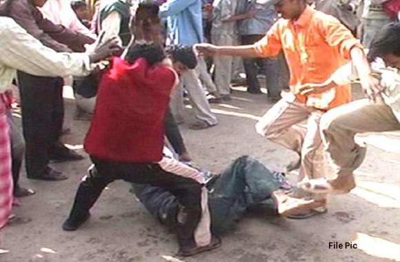 अलवर में फिर मॉब लिंचिंग, युवती को टक्कर मारने पर उसके परिजनों ने युवक को पीटा, इलाज के दौरान मौत