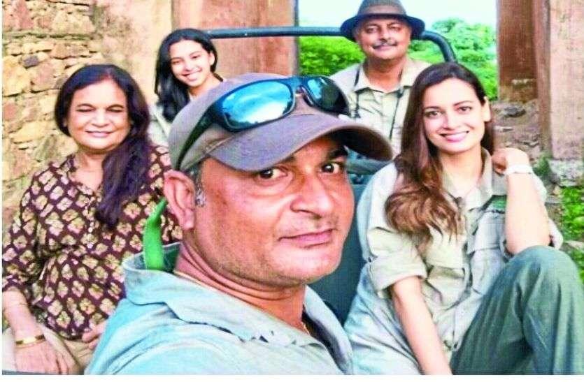 अभिनेत्री दिया मिर्जा ने देखी बाघों की अठखेलियां