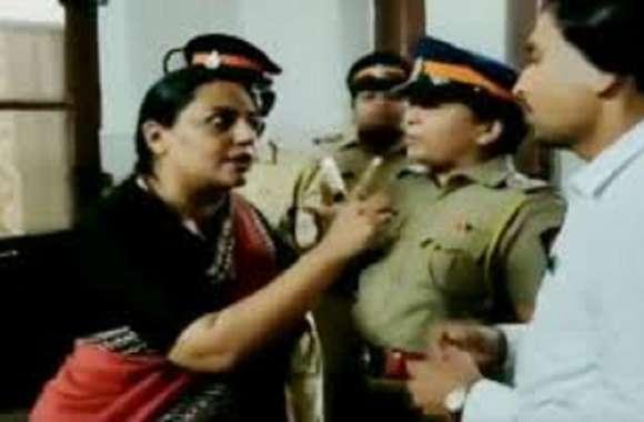 कर्नाटक के विधायक से कांग्रेस की महिला विधायक को मिलने से रोका
