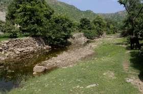 राज बदले पर नहीं बदली तस्वीर, गांवों की मुश्किल भरी है डगर