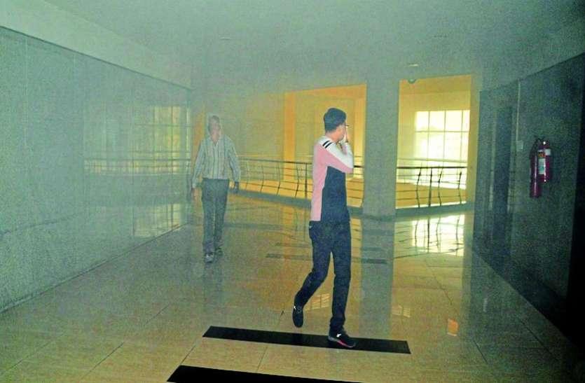 सर्वर रूम की चिंगारी ने खोली  50 करोड़ के कलेक्टोरेट की 'अग्नि सुरक्षा' की पोल