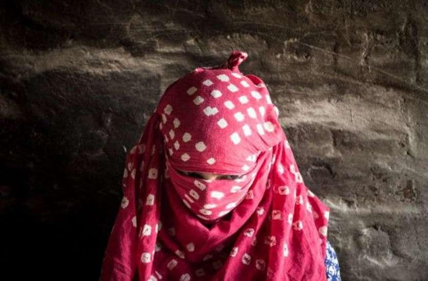 ट्यूशन टीचर नाबालिग छात्रा को बहला-फुसलाकर ले गया अपने घर, अंधेरी कोठरी में बनाया बंधक