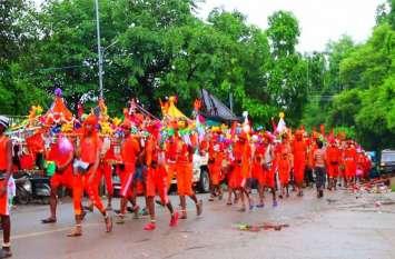 Kanwar mela 2019: श्रावण मास में ऐसे किया जा रहा बाबा भाेलेनाथ का अभिषेक, देखें वीडियाे