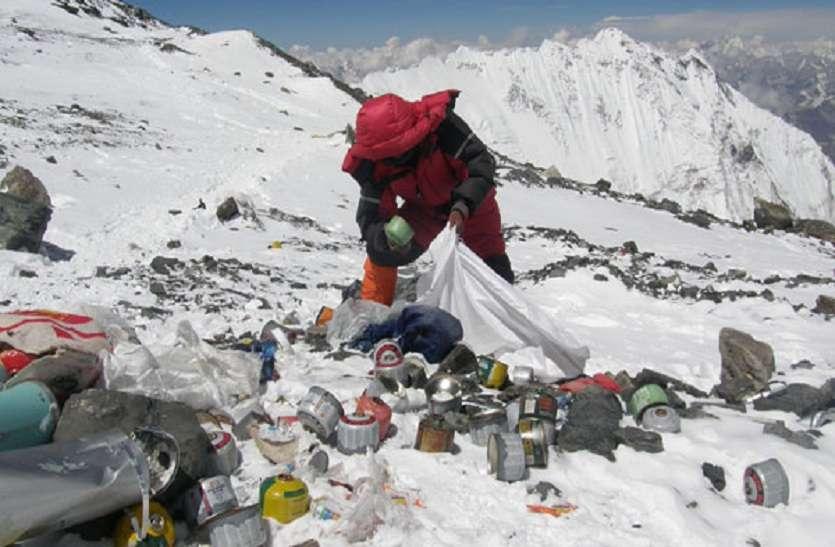 नेपाल से कैसे एवरेस्ट को कचरामुक्त बनाकर आय और रोजगार बढ़ा रहा है
