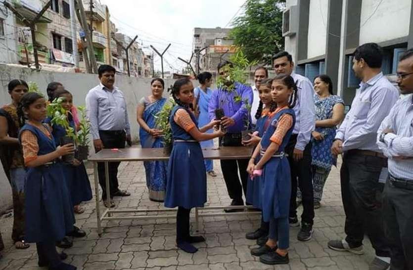 छात्रों के जरिए लिंबायत जोन में एक लाख पौधे रोपने का संकल्प