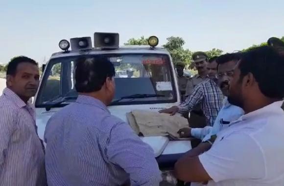 Video: Azam Khan के खिलाफ मुस्लिमों ने दर्ज कराया केस, अखिलेश यादव ने उठाया बड़ा कदम