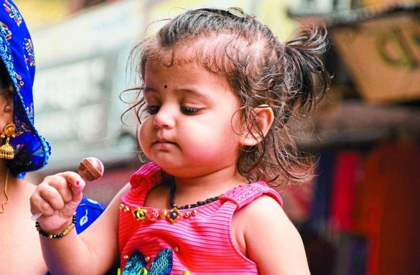 टेस्ट में हिट लॉलीपॉप: रोते बच्चे को हंसा दे, उदास भी हो जाते है खुश