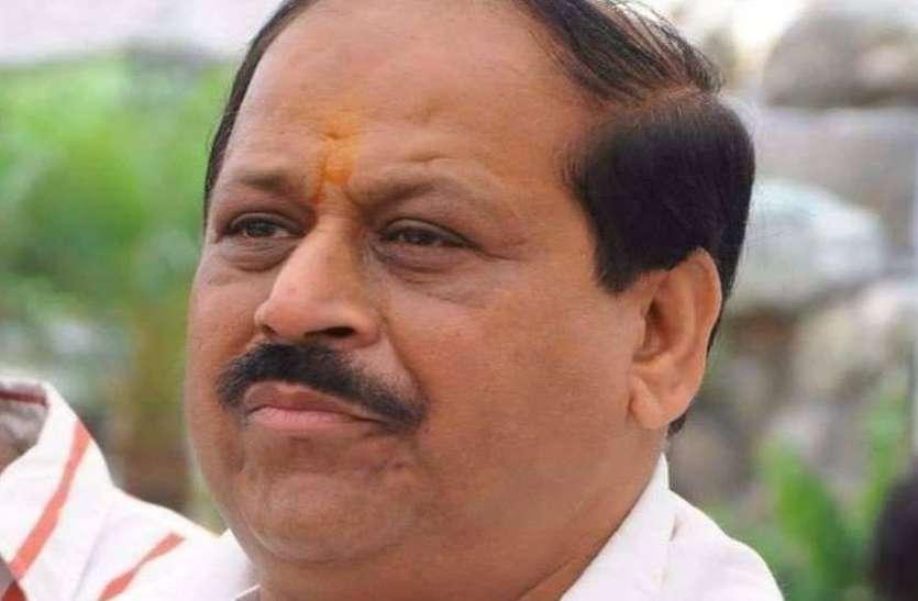 'भाजपा के गुंडों ने कांग्रेस कार्यकर्ताओं पर बहुत जुल्म किए हैं, इनकी लिस्ट बनाओ, अब हमारी सरकार है...'