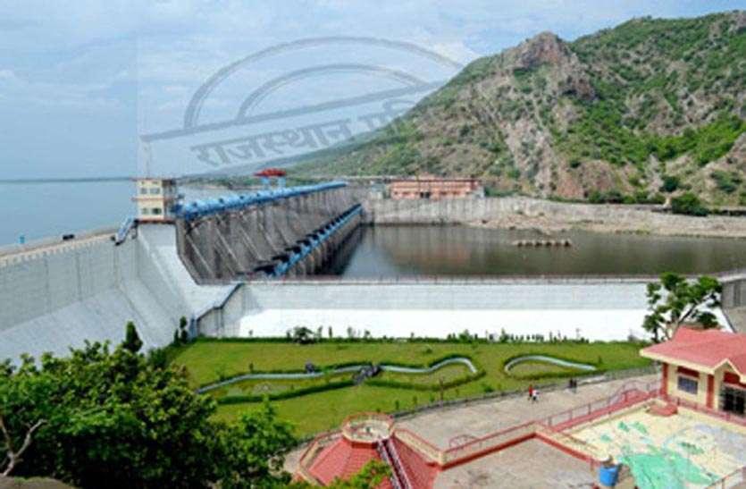 बीसलपुर बांध : पानी का बदल रहा रंग