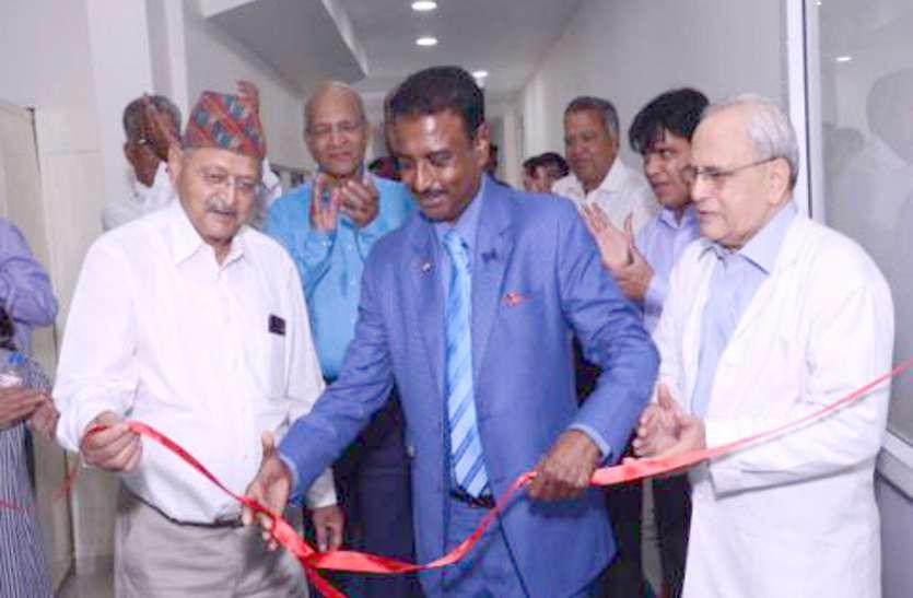 Neemuch Best Eye Hospital यहां के गोमाबाइ नेत्र चिकित्सालय में नई ओटी की शुरुआत