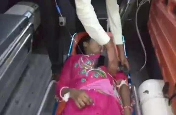 VIDEO: कांवड़ मार्ग पर हादसा, कार सवार युवकों ने युवती को मारी टक्कर