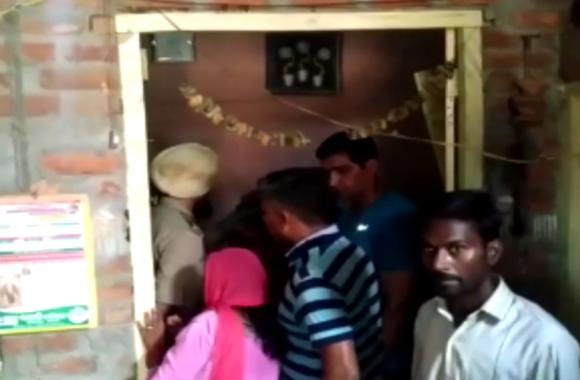 VIDEO: रात को सोने गये बेटे का सुबह पंखे से लटका मिला शव, देखते ही परिवार में मचा कोहराम