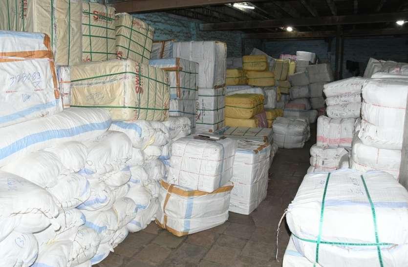 surat news-  सूरत के कपड़ा व्यापारियों की यह कैसी लाचारी......