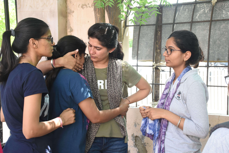 bikaner- medical student manisha kumawat suicide in hostel