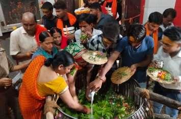 Sawan Ka Somwar : राम की नगरी अयोध्या में आस्था और श्रद्धा के साथ मनाया जा रहा सावन का पहला सोमवार