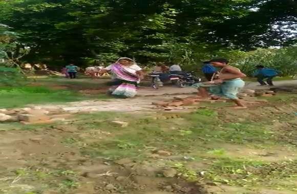 प्रधान और ग्रामीणों के बीच खडंजा बिछाने के विवाद में जमकर मारपीट, वीडियो वायरल
