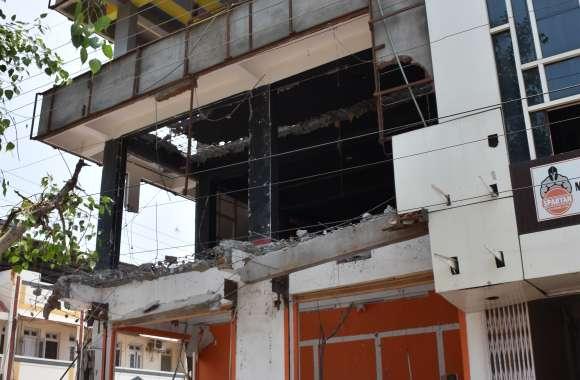 चुन्नू लाला के एलिना टावर पर अतिक्रमण की कार्रवाई, पेट्रोल पंप की जमीन पर बनेगा पुलिस सहायता केंद्र