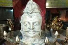 Sawan 2019: मन की कामनाओं को पूरा करते हैं मनकामेश्वर महादेव, सावन के पहले सोमवार को दर्शन को उमड़े भक्त, देखें तस्वीरें