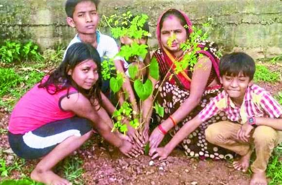 'सुखी जीवन के लिए पौधे लगाना जरूरी