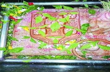देश का इकलौता मंदिर जहां विराजमान है 25 मुखों वाला अद्भुत स्वयंभू शिवलिंग, उमापति के नाम से है प्रसिद्ध